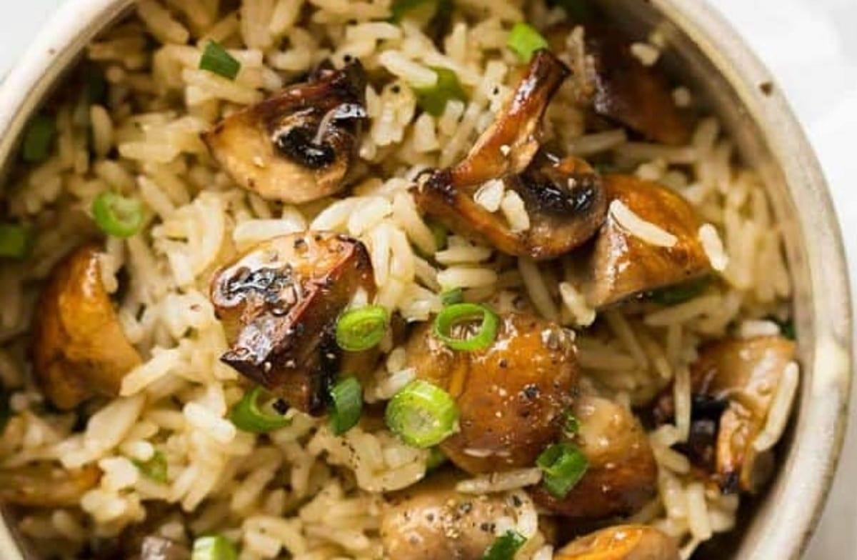 Riz aux champignons cuit au four
